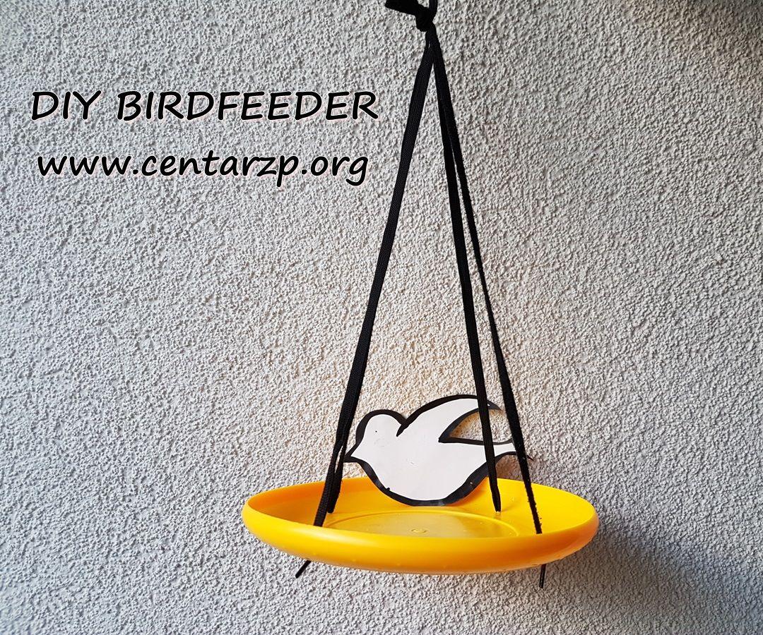 DIY Frisbee birdfeeder