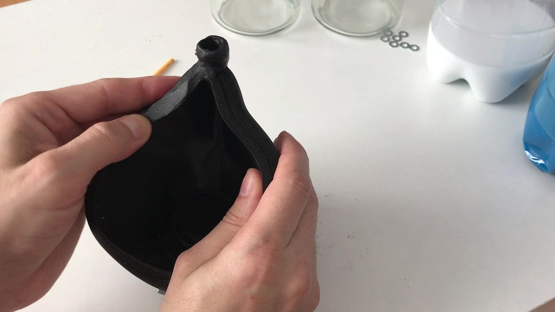 Sealing the Mold With Sculpting Wax