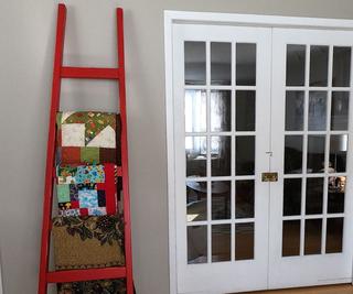 Angled Blanket Ladder