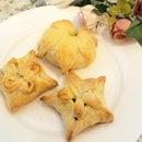 Floral Pinch Pies