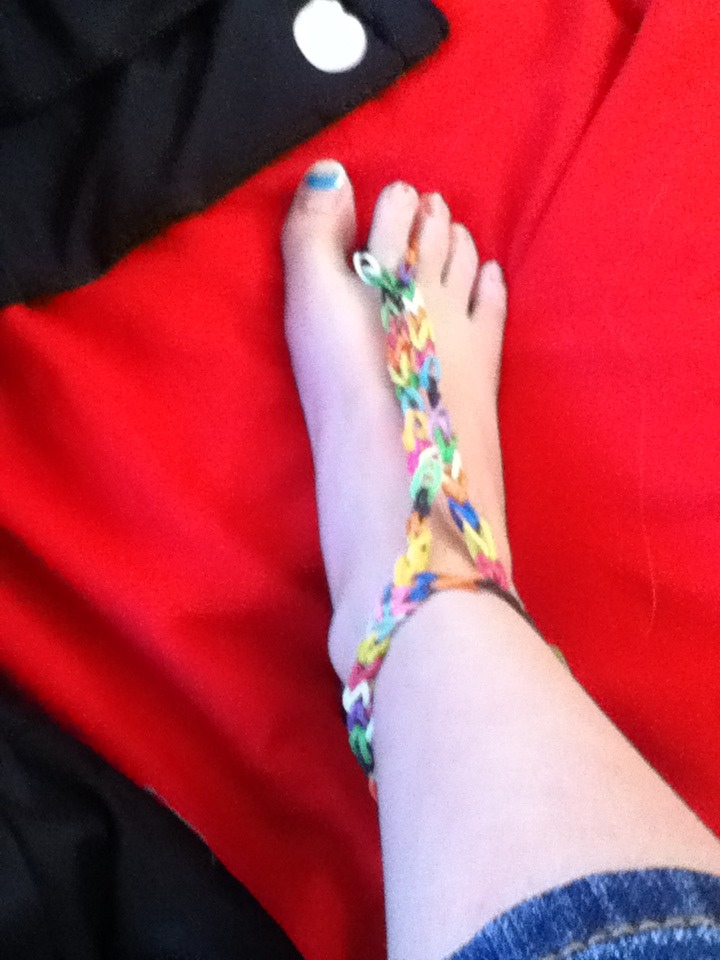 Rubber Band Barefoot Sandal : 5 Steps