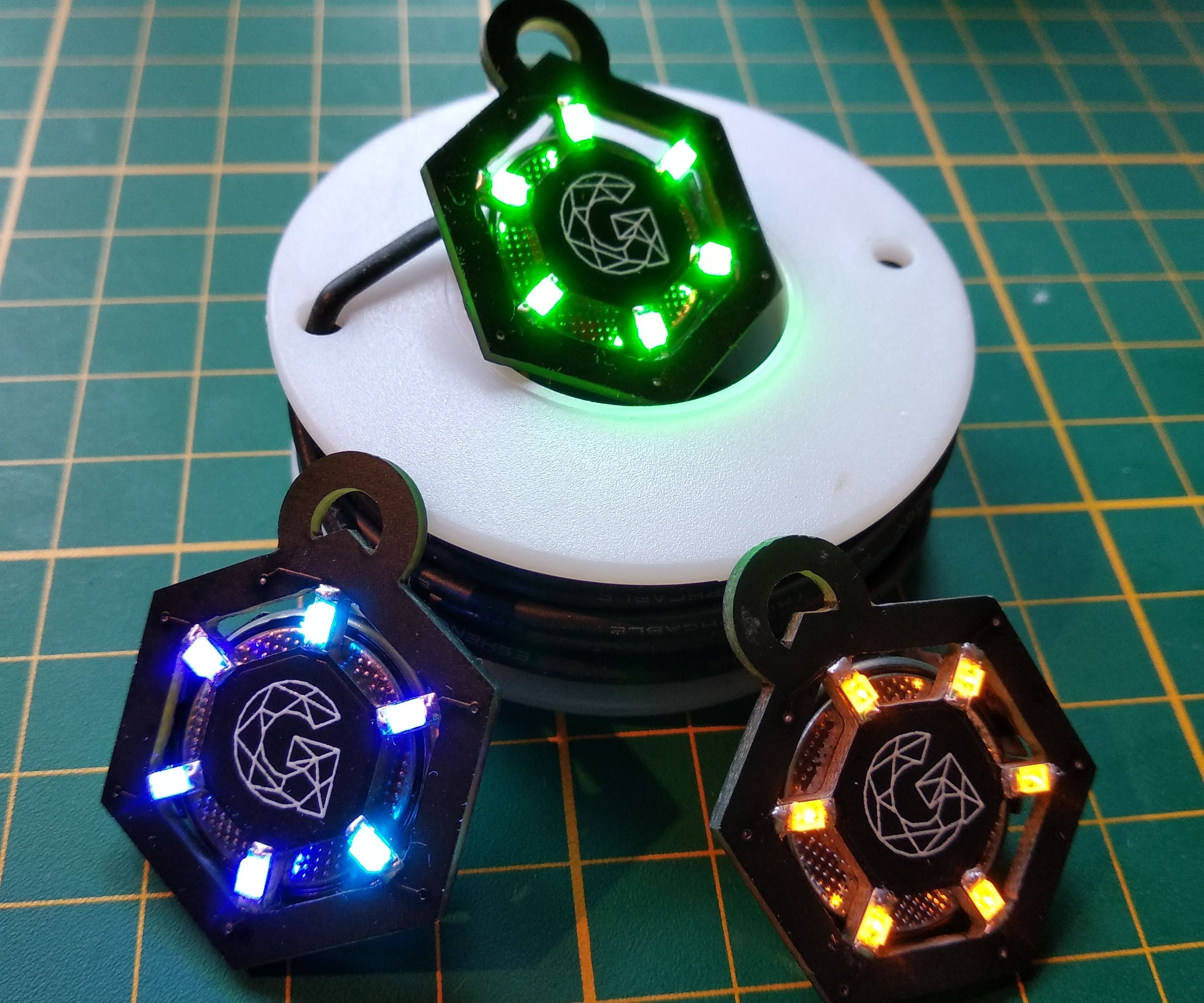 NeckLight : a PCB Necklace for Humans and Dogs