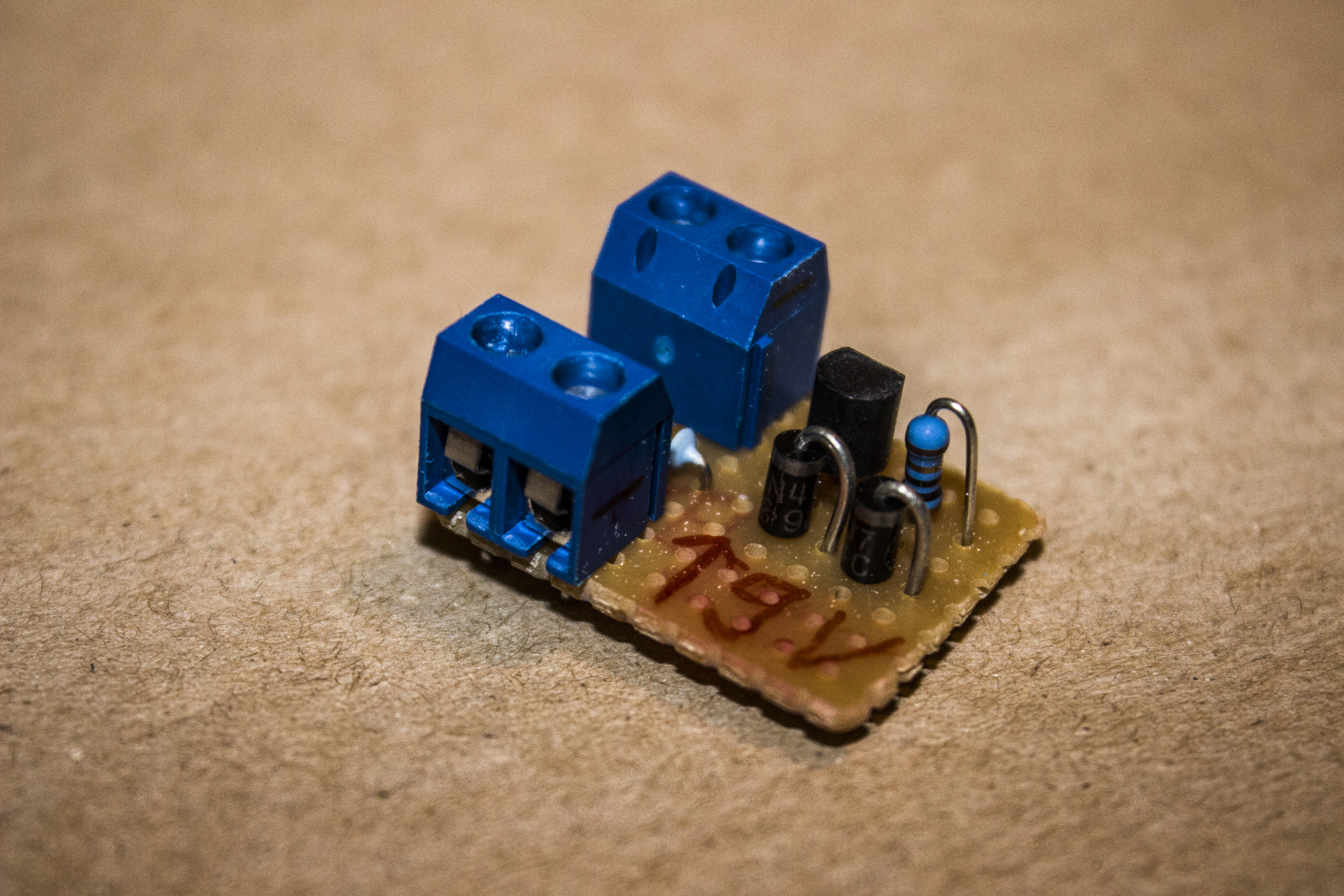 Simple Led driver/Constant-current source 20 mA