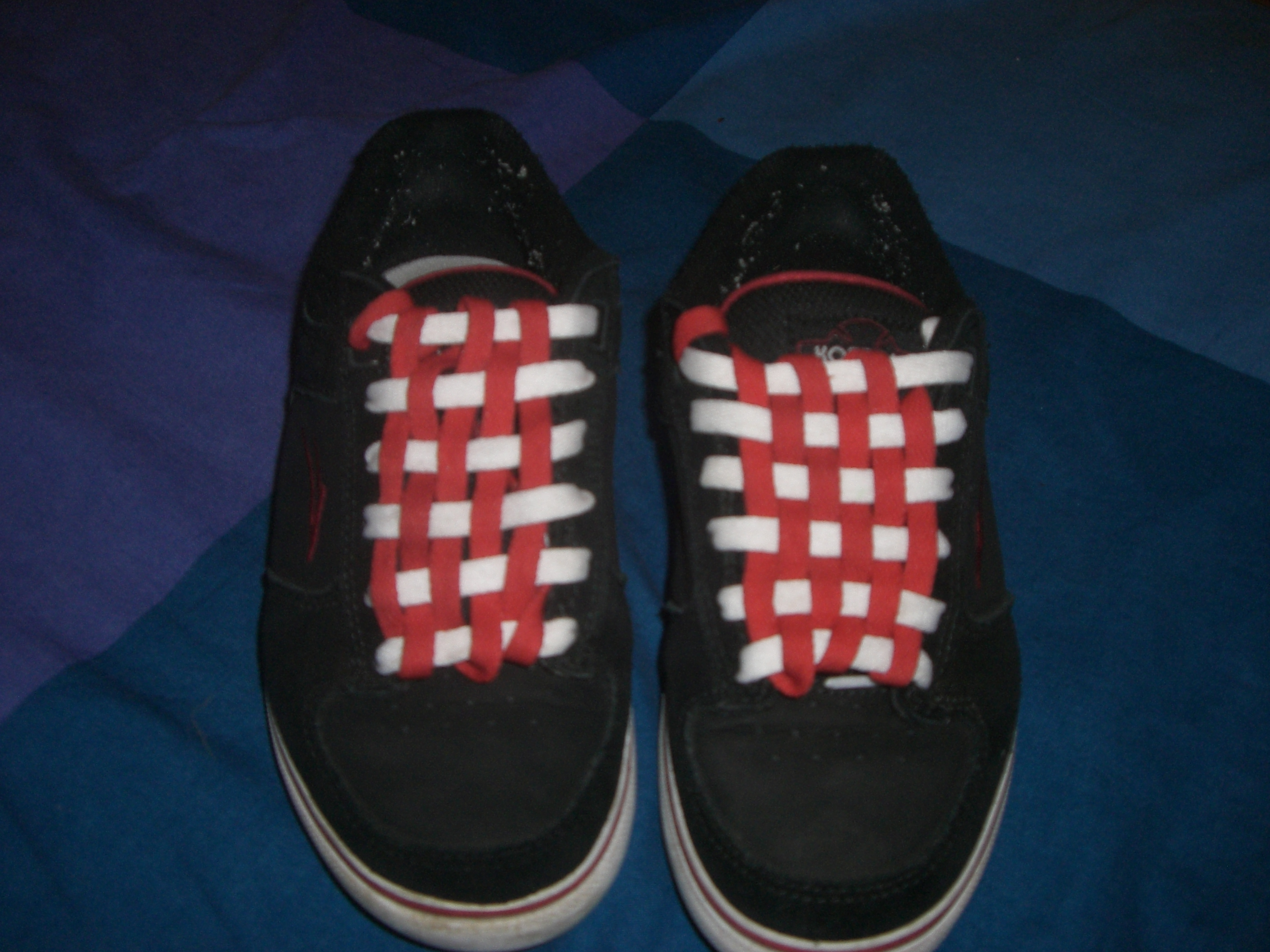 Checkerboard Your Shoelaces : 8 Steps