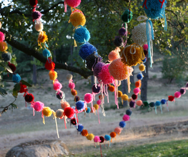 Make your own Pom Poms!