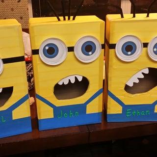 Despicable Me Minion Valentines Day Box