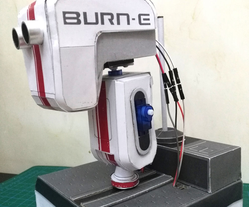 Burn-E PaperCraft Robot