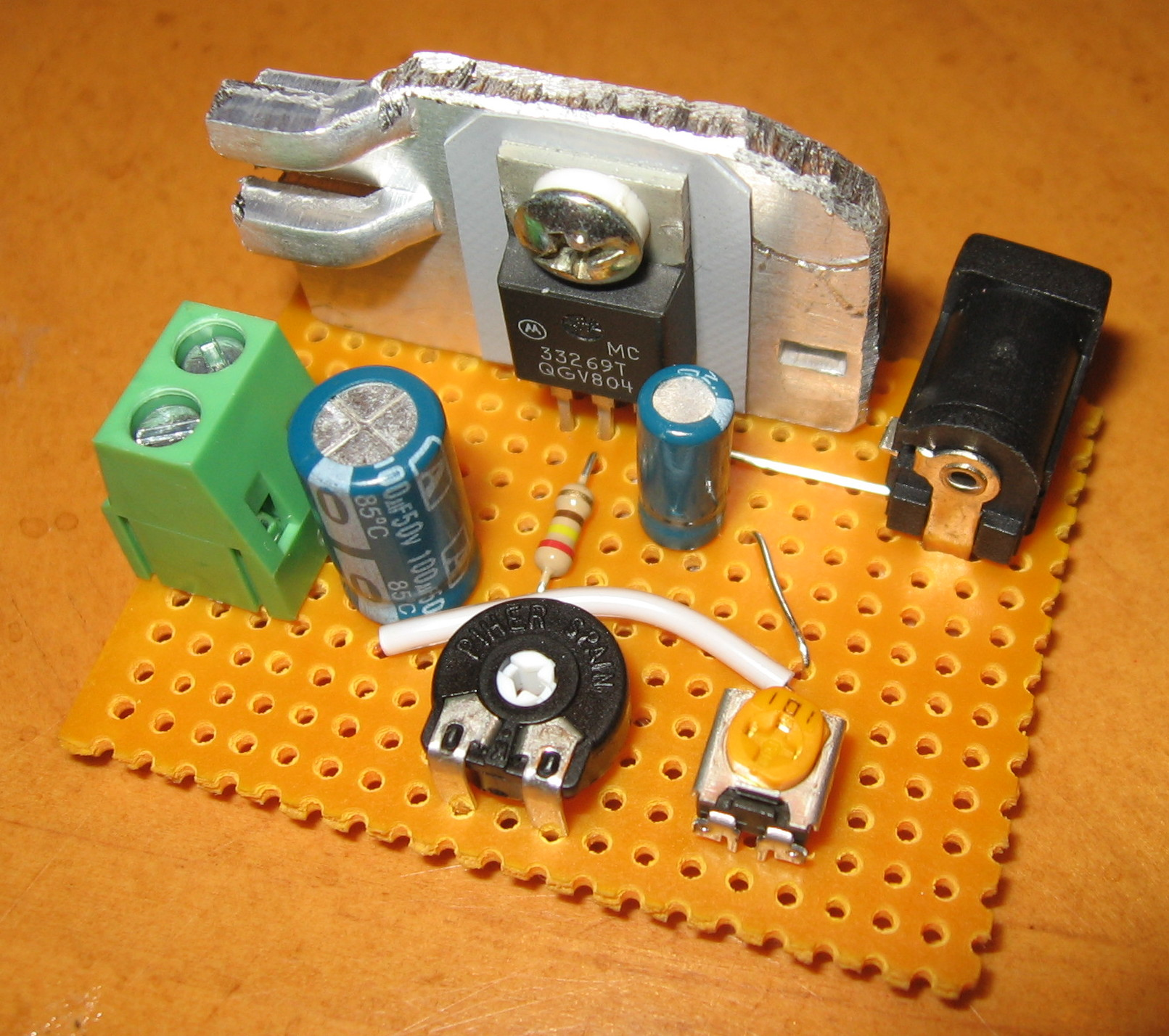 Improved Simple Adjustable DC Power Supply