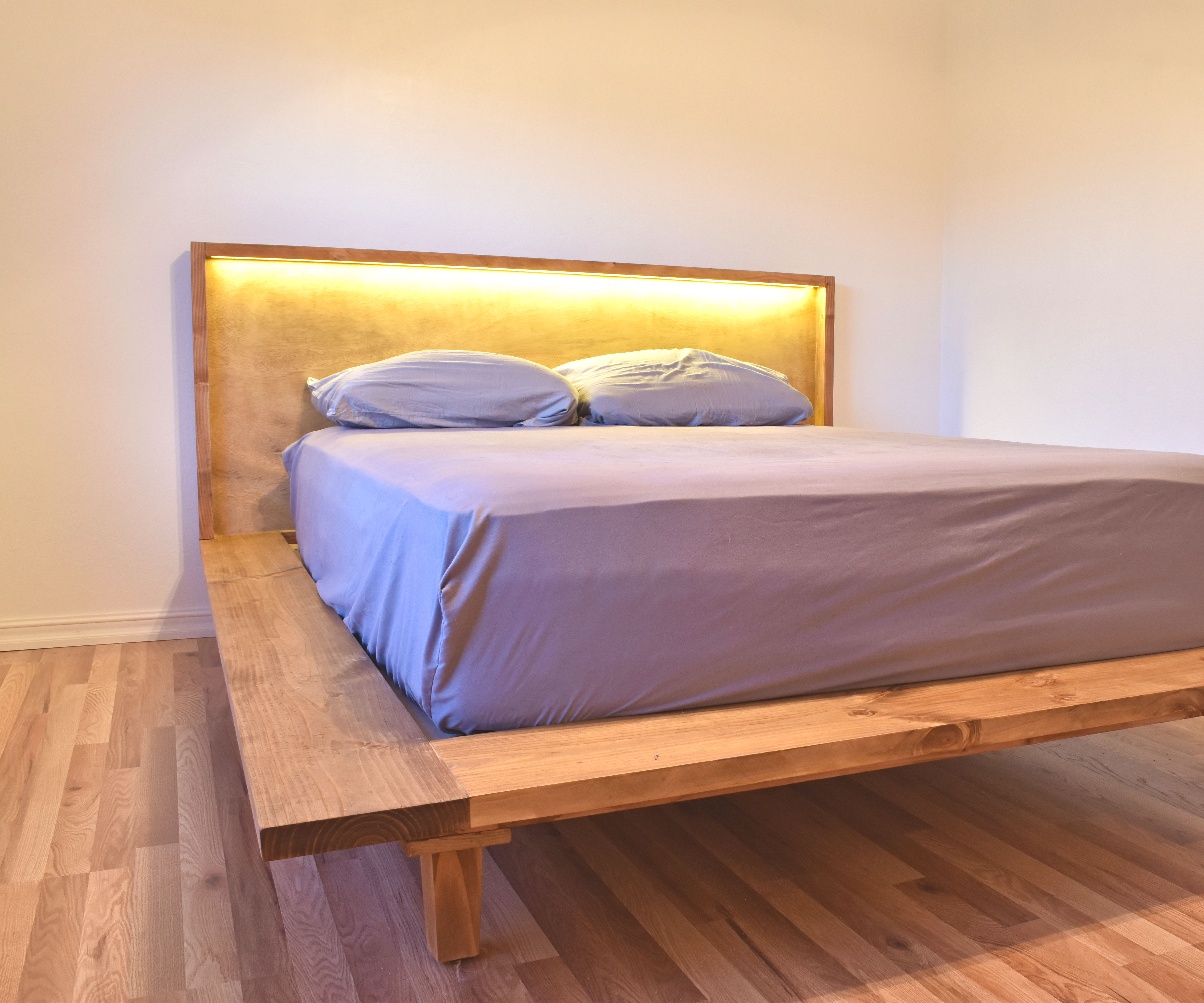How To Build A Modern Platform Bed 4 Steps With Pictures Instructables