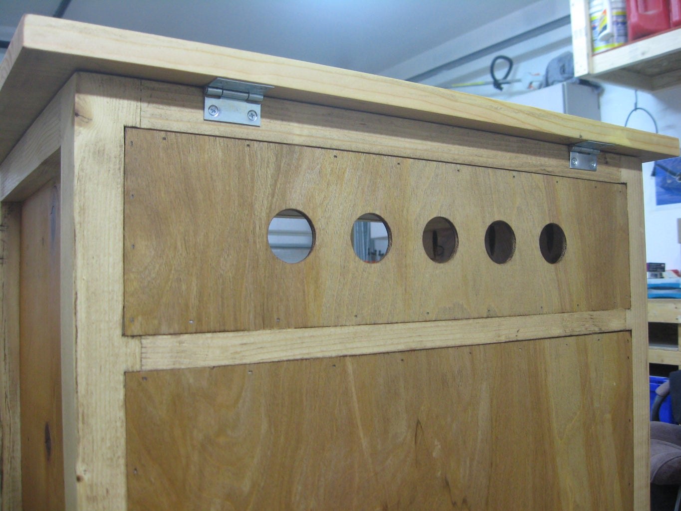 Mount Hardware and Top Panel
