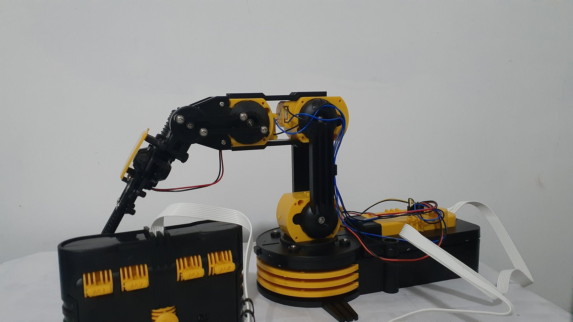 Finalize Wired Control Robot Arm