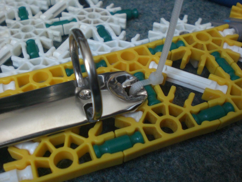 Attaching the Binder to the Knex Bit