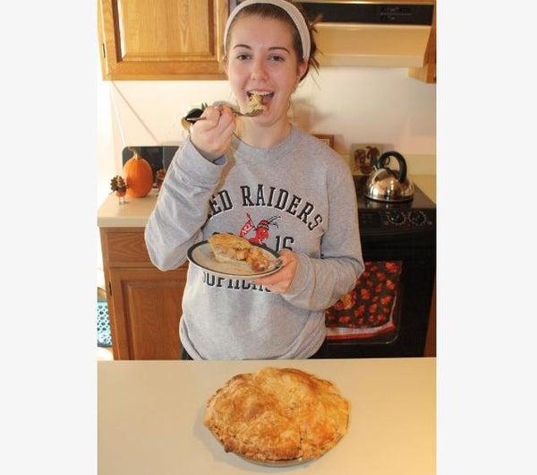 Memom's Apple Pie With Simple DIY Crust