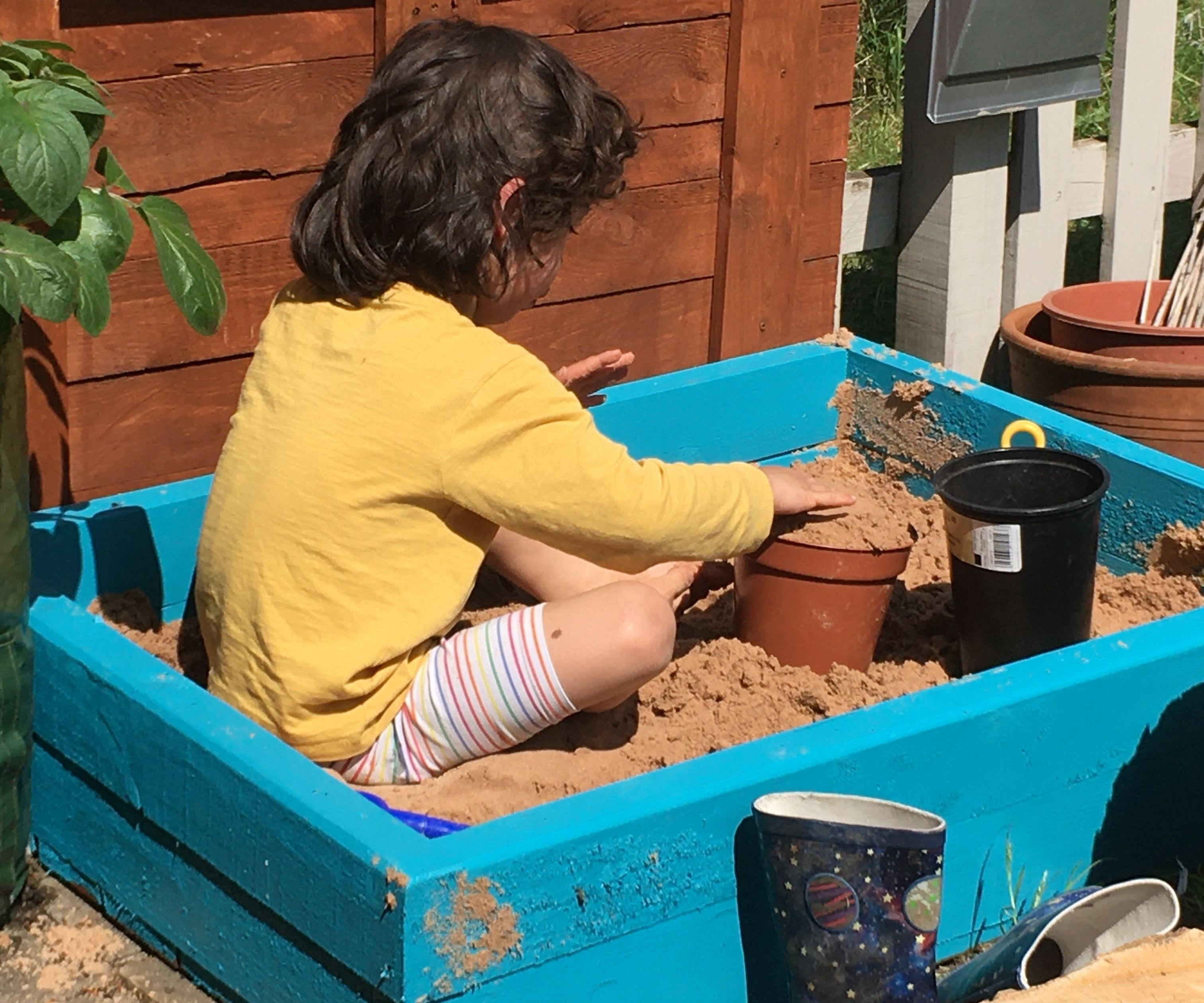 Pallet Sand Pit - DIY in 2 Hours From 2 Pallets!