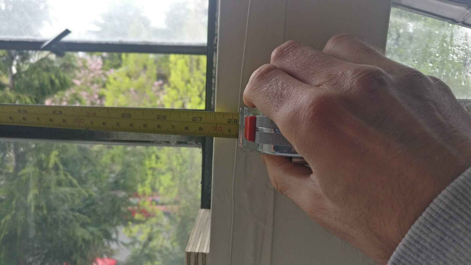 Determine the Width of the Window