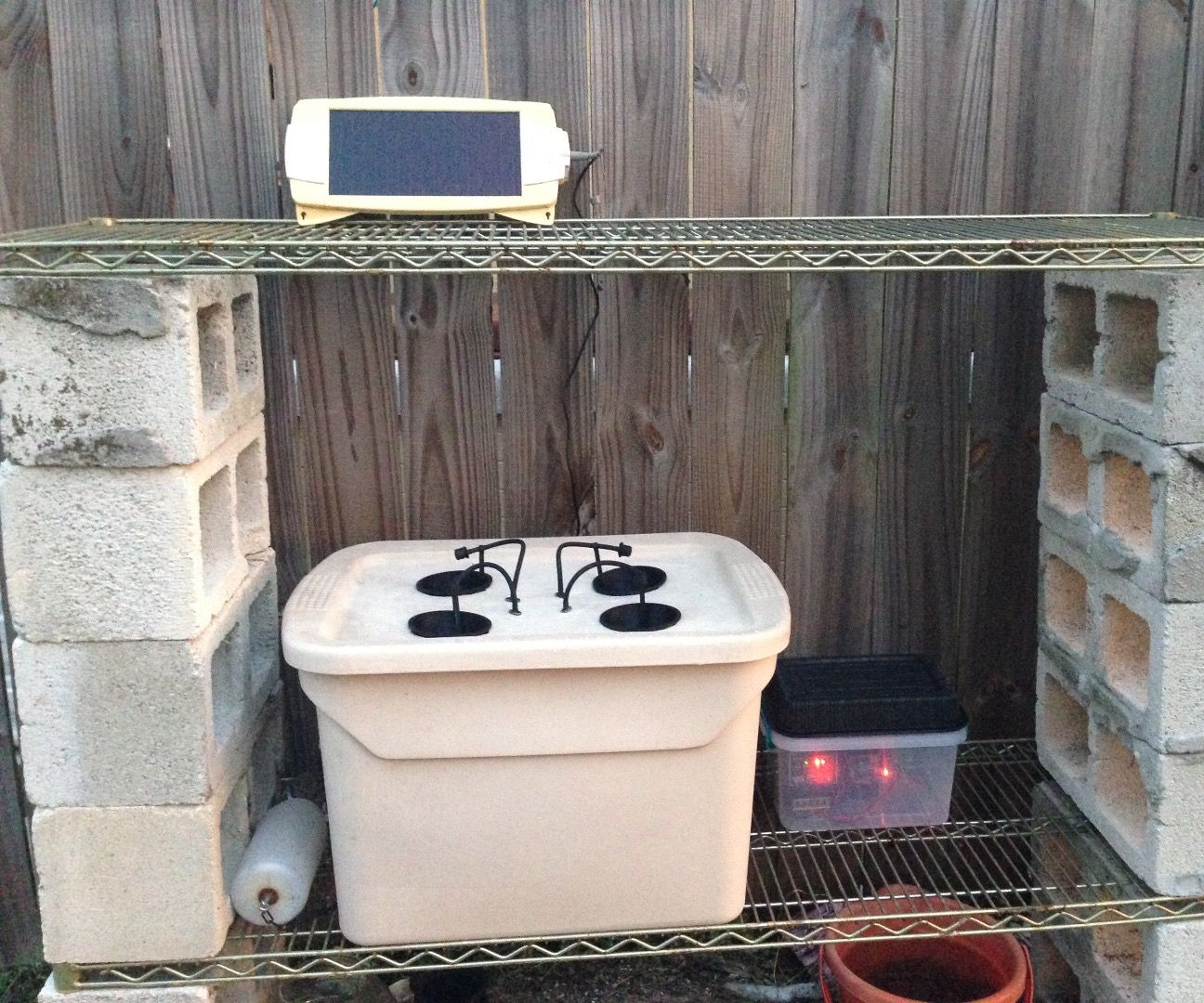 Small Scale Outdoor Solar Hydroponic System