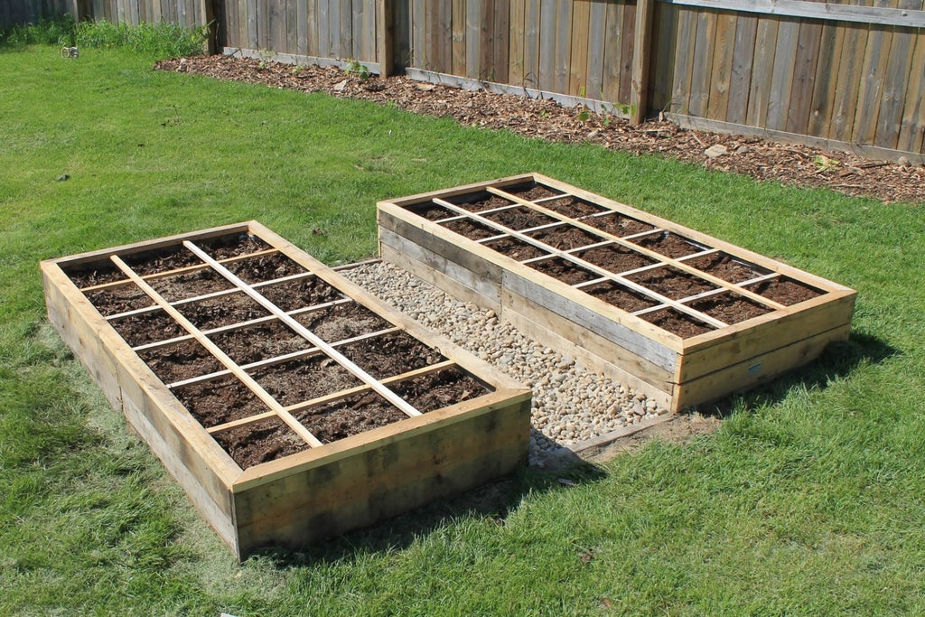 Free Pallet Raised Bed Garden 10, How To Make Raised Garden Beds From Pallets