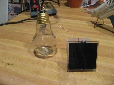 Solar Dark Detecting LED Light Bulb