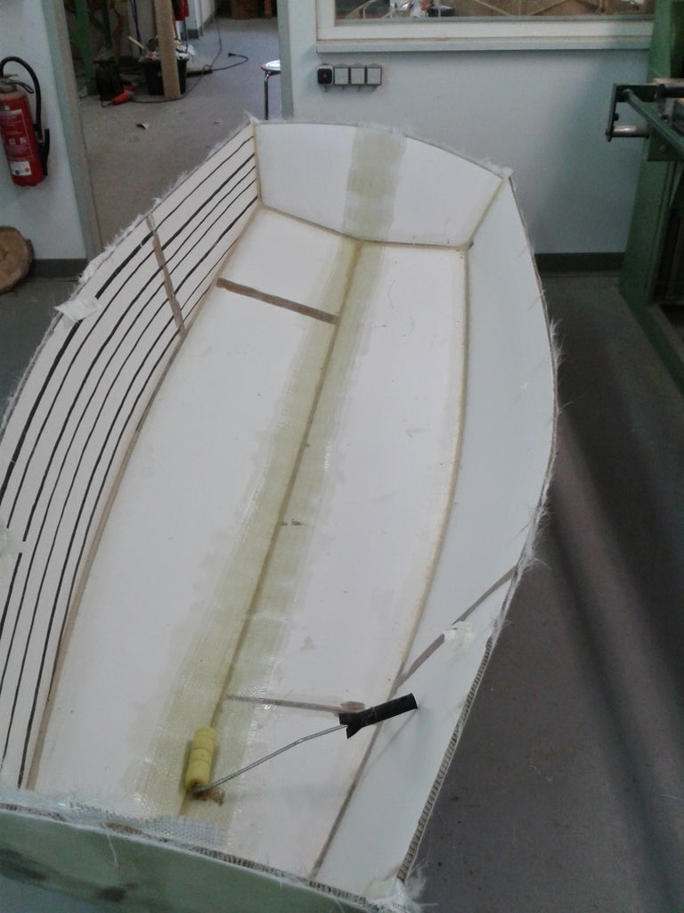 Graefin 10 a Small Dinghy Made From Cardboard