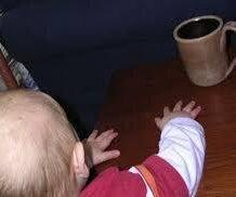 حماية الأطفال من السوائل