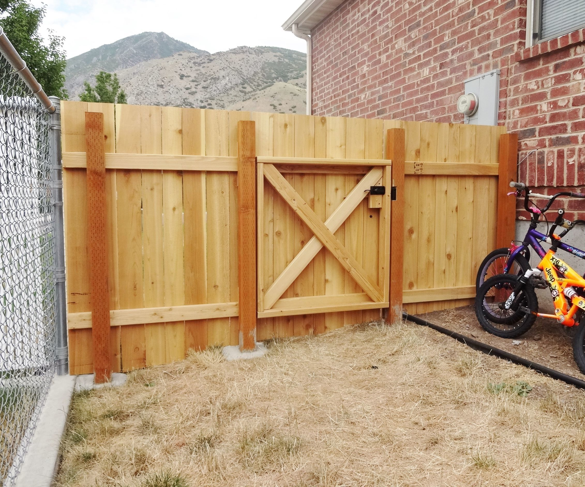 Picture of: Build A Wooden Fence And Gate 14 Steps With Pictures Instructables