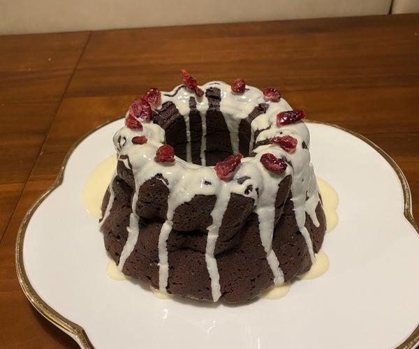 Chocolate Cake W/white Chocolate