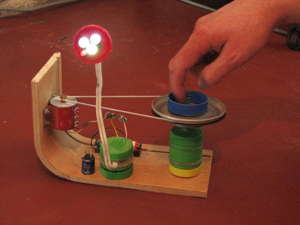 Green LED Lamp (controlled With a Flashing Led)