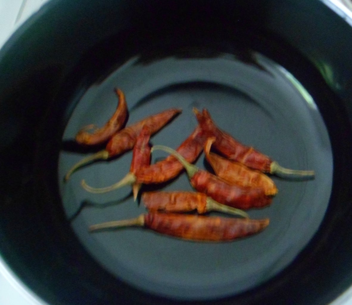 DRY ROAST RED CHILLIES