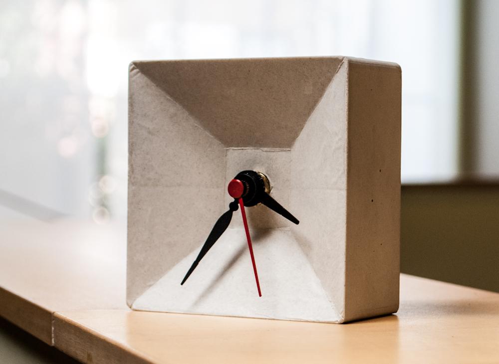 DIY CONCRETE:: Clock