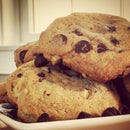 The Best Chocolate Chip Cookies (Video)