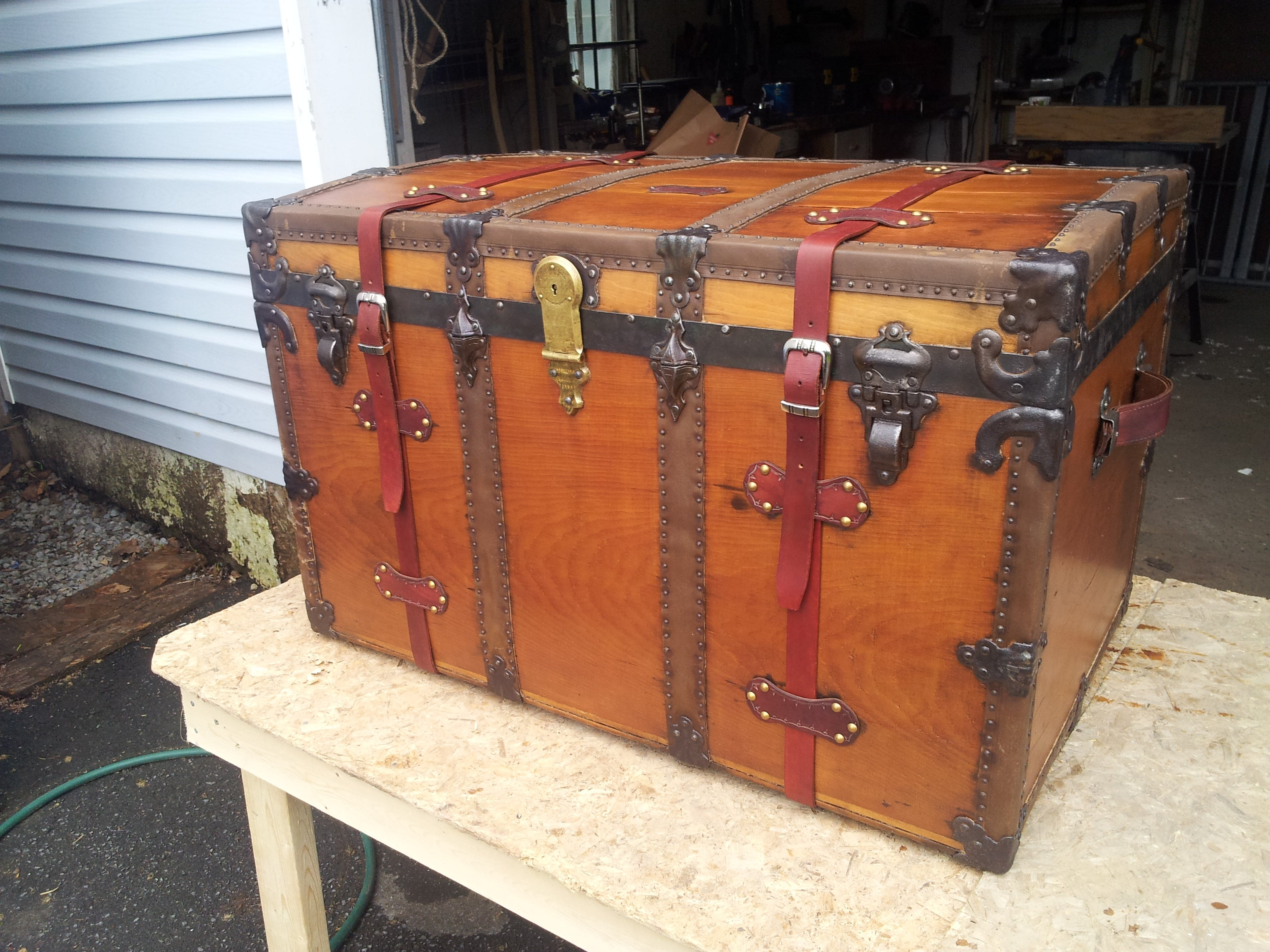 // OLD TRUNK hardware PARTS  Latchs Handles IRON STEAMER TRUNK TRUNK