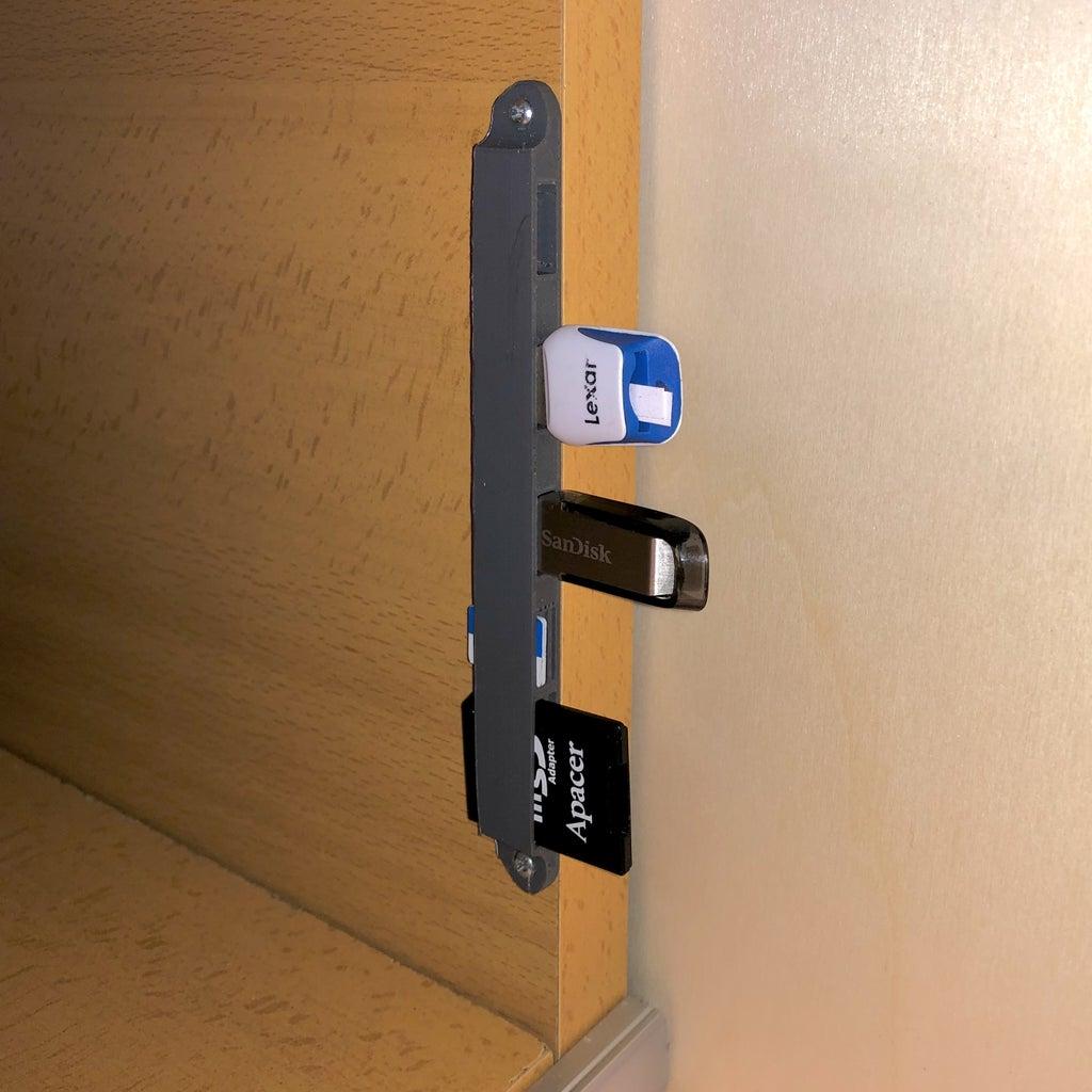 USB & Memory Cards Holder