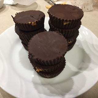 Low Carb and Sugar Free Peanut Butter Cups (Keto Friendly)