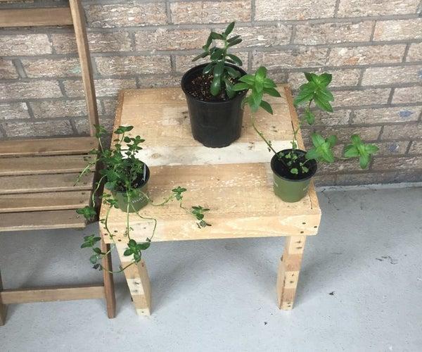 Beginner Outdoor Pallet Side Table