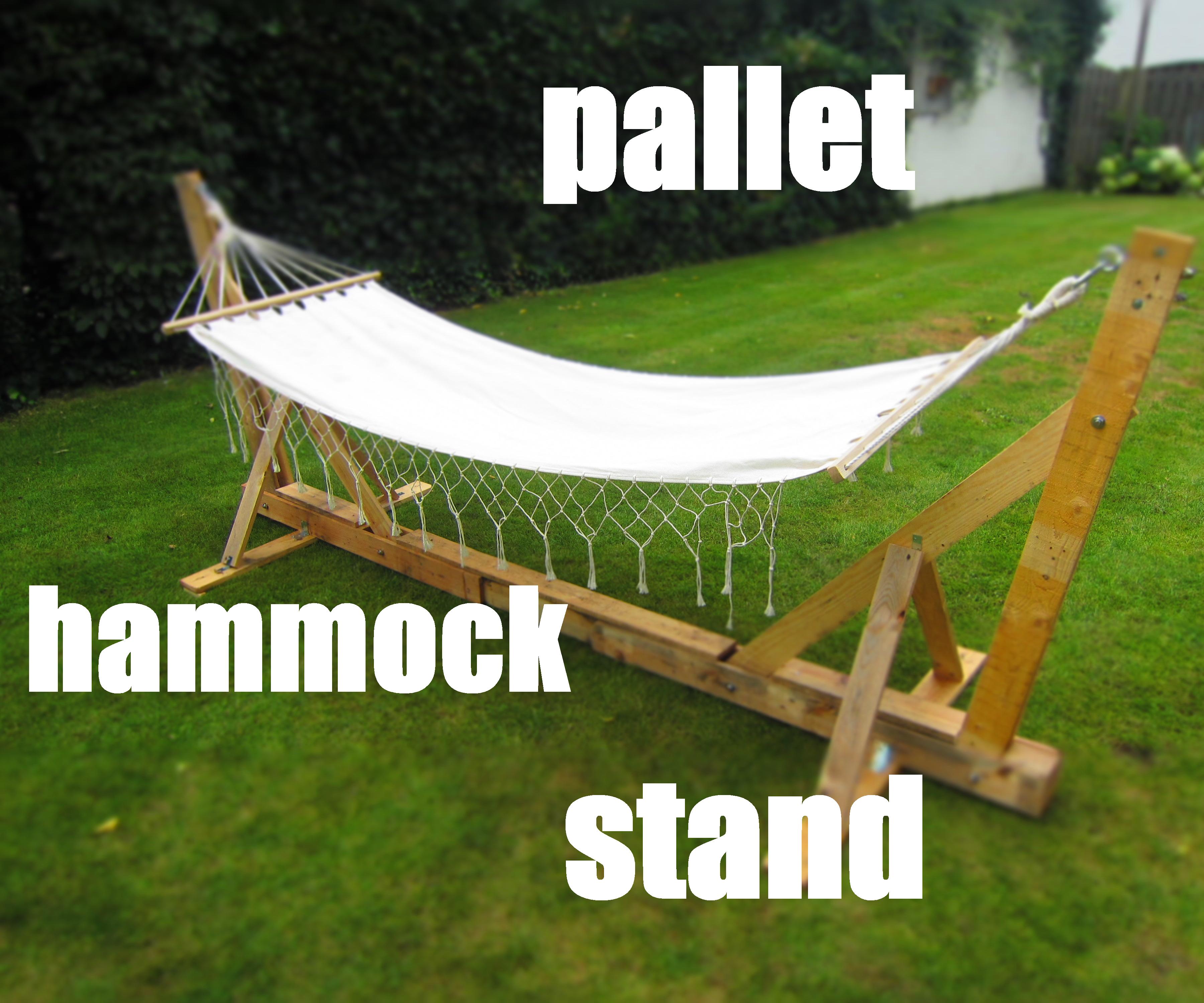 Pallet hammock stand