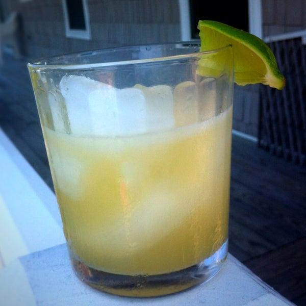 How to Make a Beach Margarita