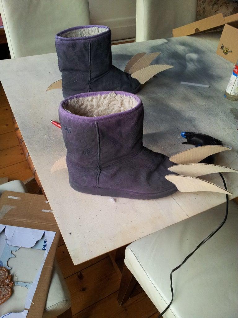 Accessories: Feet