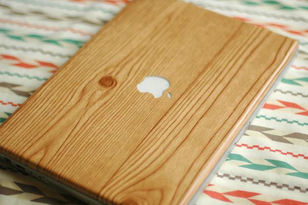 DIY Wood-Grain Laptop Wrap
