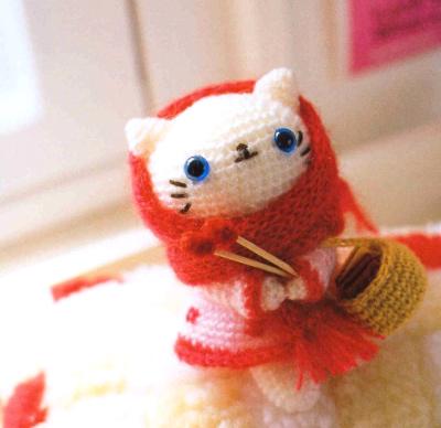 """Crochet White Kitten Doll : """"Mao Mao"""""""