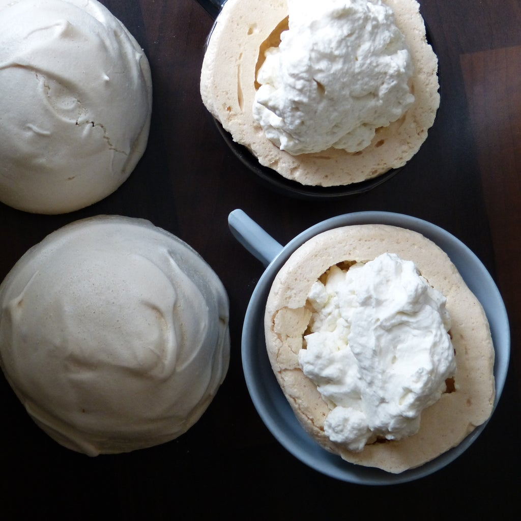 Fill the Meringue Bomb and Cover With Buttercream