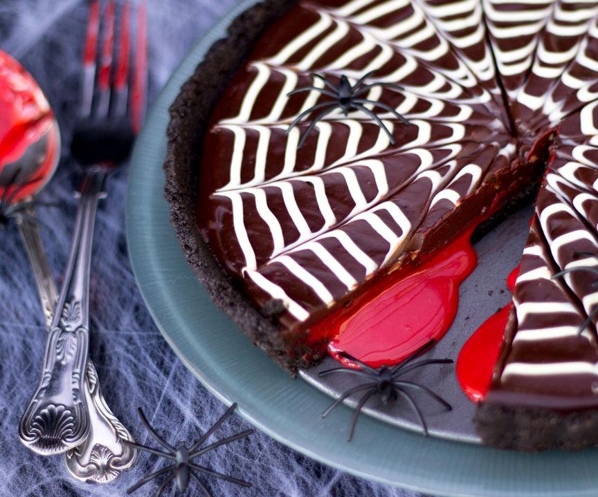 Easy No Bake Bloody Chocolate Spider Web Tart