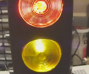 Safety Stoplight: the Easy, Arduino-powered, Voltage Warning Light
