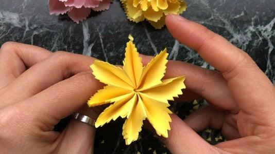 Re-fold It and Shape an 8-petal Flower