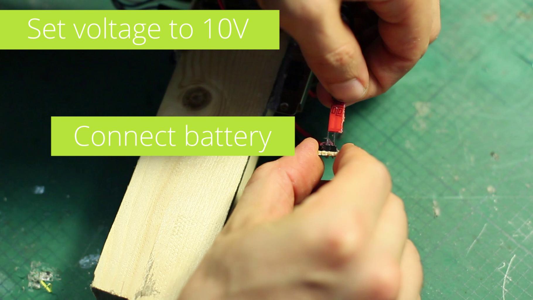 Set the Voltage to 10V