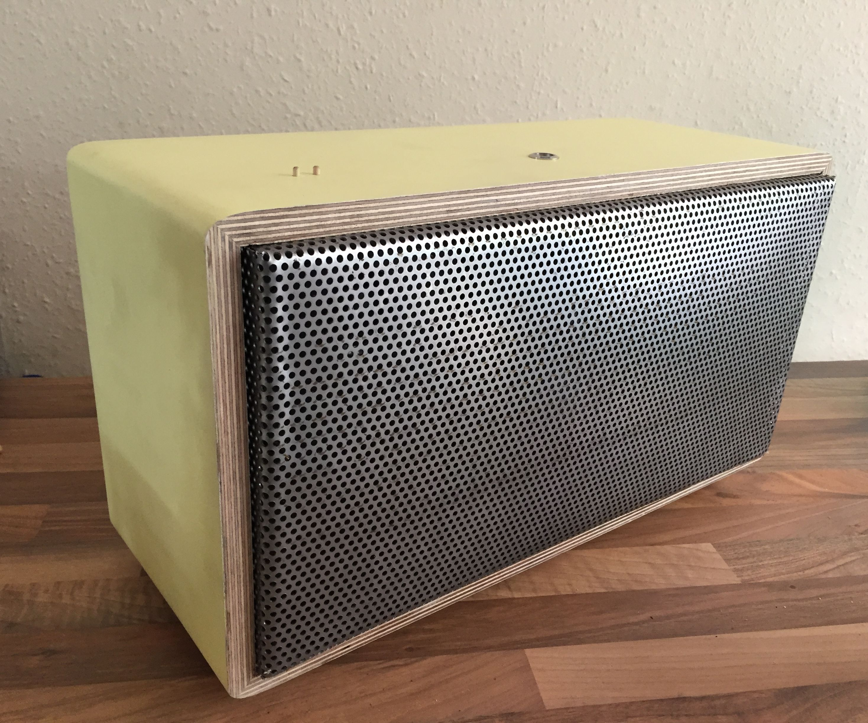 DIY Bluetooth Boombox - Repurpose your old Hi-Fi