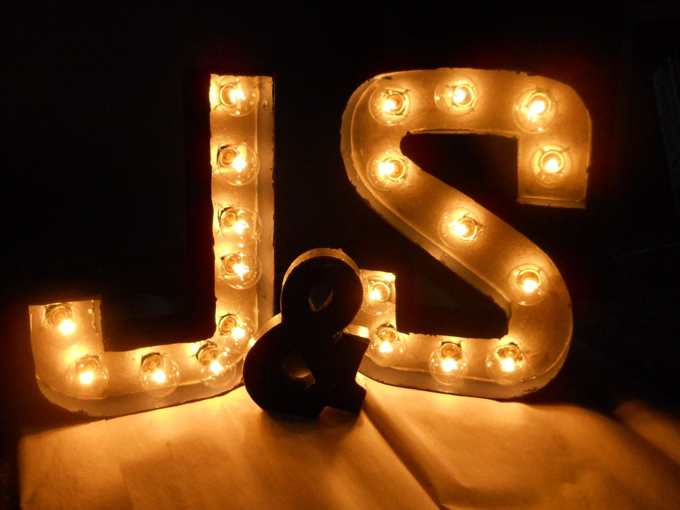 DIY Bride Guide: Marquee Letters
