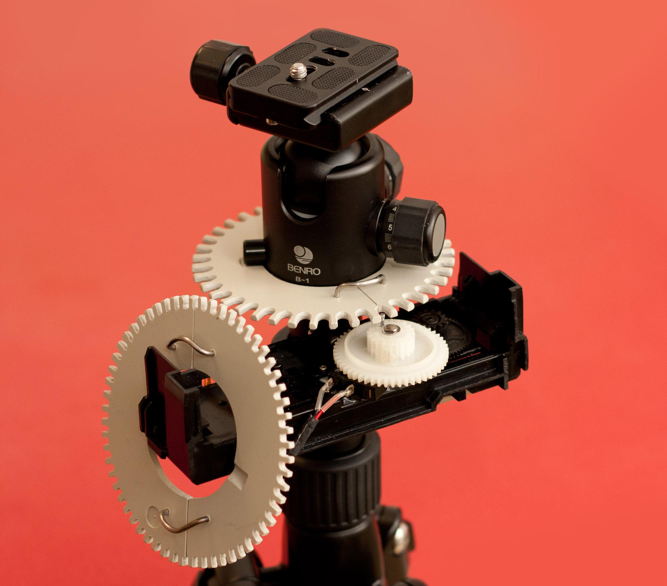 the simplest DIY motorized gigapan gear