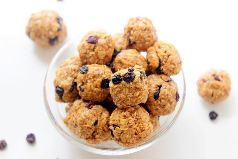 Chewy Blueberry Granola Bites