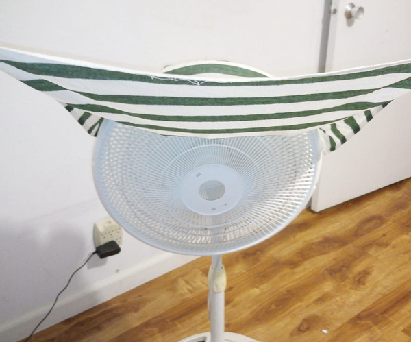 5 Minute Swamp Cooler - Evaporative Cooling on a Floor Fan!