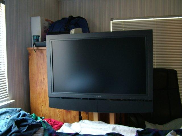 $10 LCD TV Floor Stand